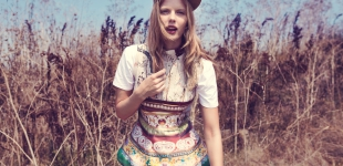 printed top Mary Katrantzou - t-shirt & hat H&M
