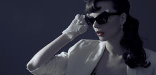 sunglasses Alexander Wang - jacket Helmut Lang - earrings stylist's own.